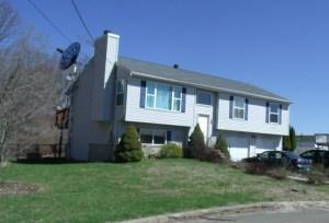 median home under deposit in Naugatuck CT